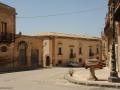 40-PALAZZO-PANITTERI-sul-fondo-del-Largo-San-Michele-DSC_1449