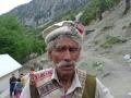 KALASH-CHILAM-JOSHI-FESTIVAL-6-gli-uomini-Kalash-portano-sul-Pacol-il-berretto-di-panno