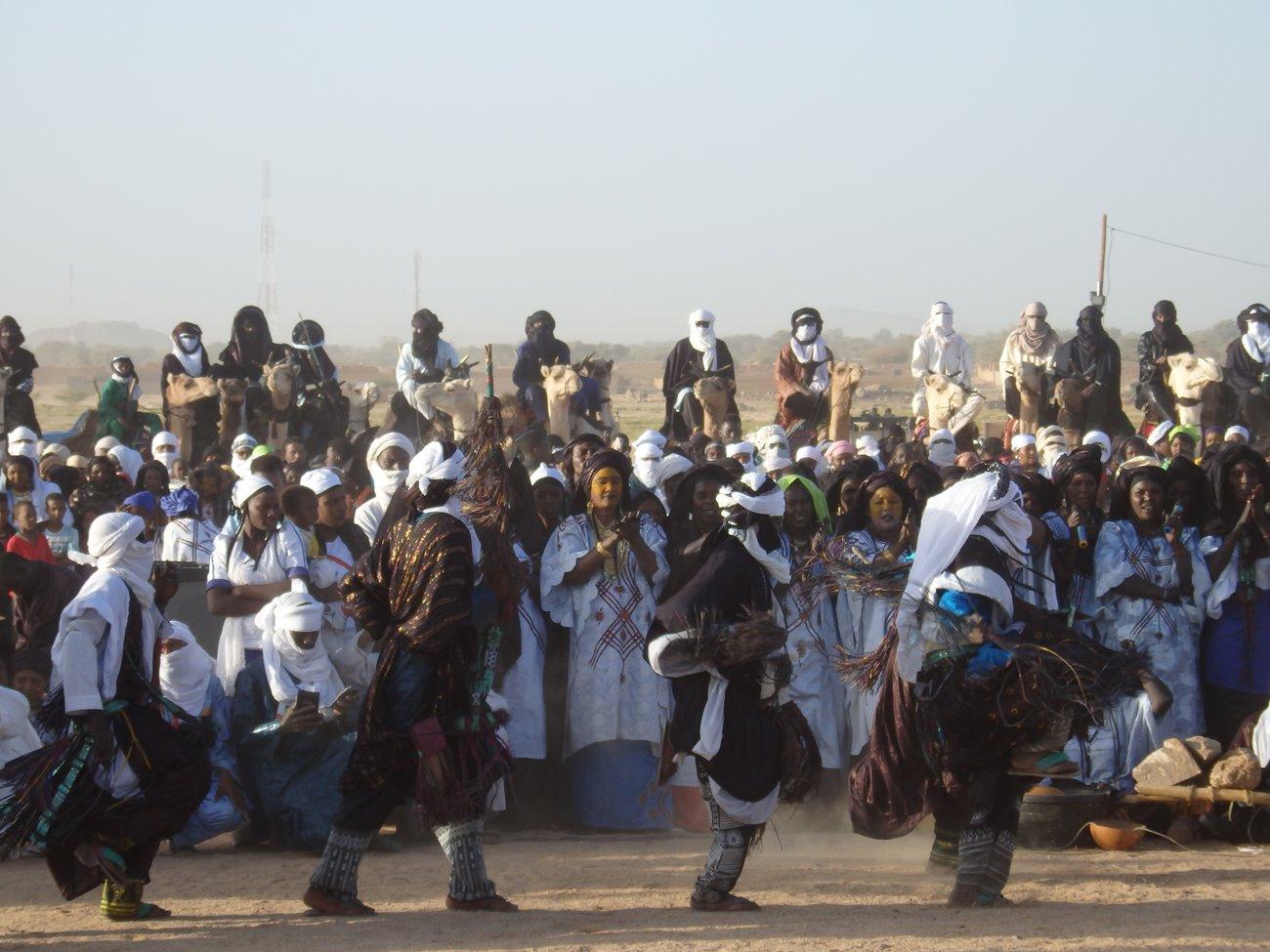 Iferouane-danze-Tuareg