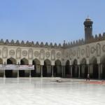 Al-Sisi arruola l'università Al-Azhar contro gli islamisti: pro e contro