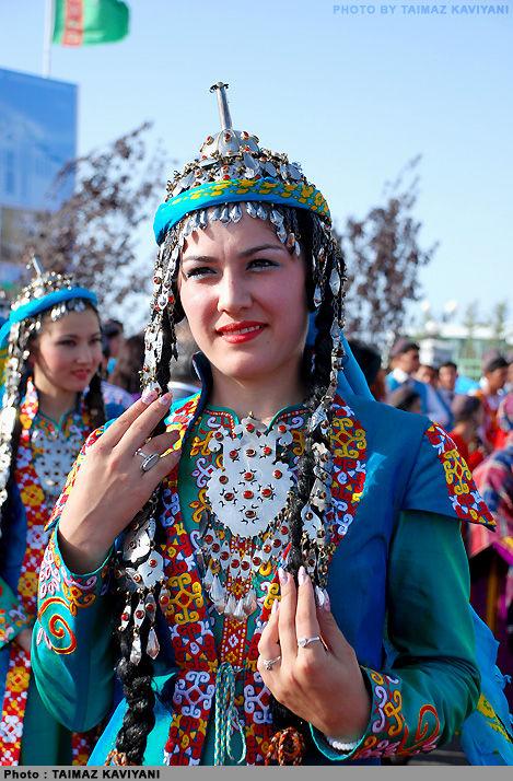 ragazza turkmena