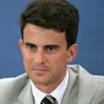 Ma Manuel Valls è un pazzo o un fascista?