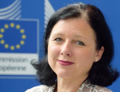 unione europea internet - Vĕra Jourová