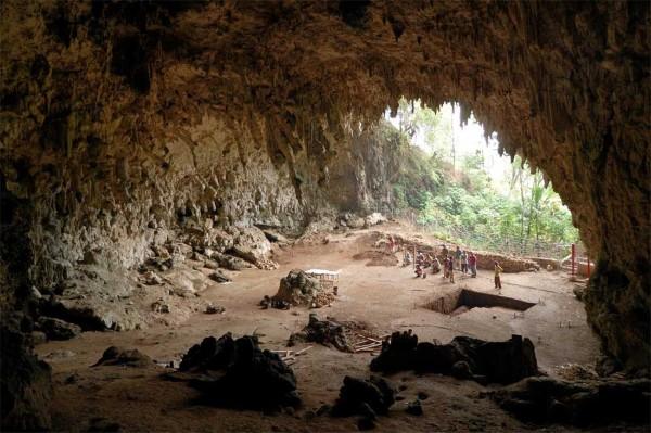 bruniquel - liang-bua-cave-hobbit