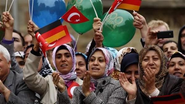 turchi in europa - turkish_women001_16x9
