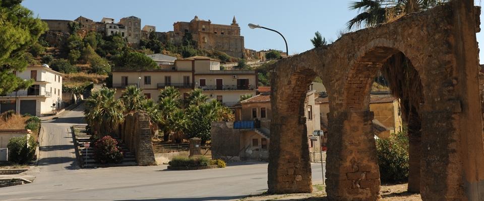 Sambuca di Sicilia, il borgo dal cuore di tufo