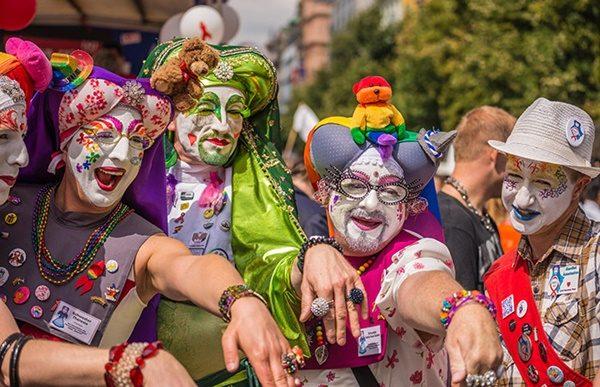 silvana de mari gay - prague-gay-pride-parade-2016-alamyE6JHNM