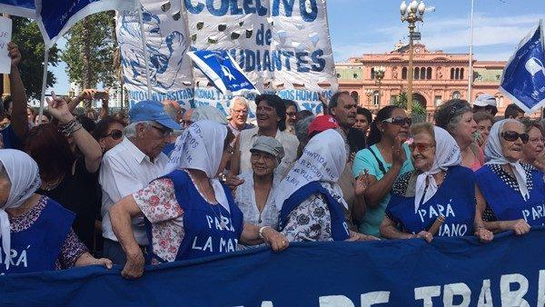 Plaza-de-Mayo-Macori
