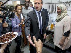 Macron ordina, gli scafisti di Roma obbediscono
