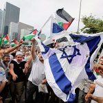Mentre gli arabi cominciano a simpatizzare per Israele, la sinistra diventa più ostile