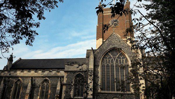 natale islamizzato chiesa-tuttisanti-kingston
