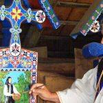 """Il """"cimitero felice"""" di Sapanta, un insolito diario ligneo in Transilvania"""