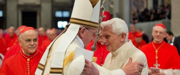 bergoglio e ratzinger papato bicefalo