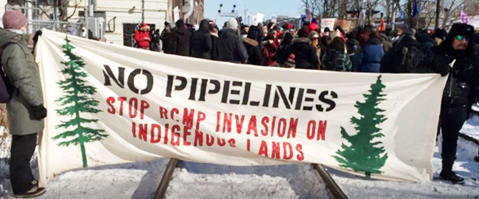 La Royal Canadian Mounted Police attacca i territori delle popolazioni indigene